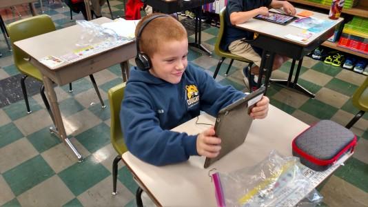 Apple One-to-One Computing Class at SJB School | Catholic School in SE Portland, Oregon